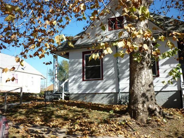 1019-1021 S 14th Street, St Joseph, MO 64503 (#2325569) :: Audra Heller and Associates
