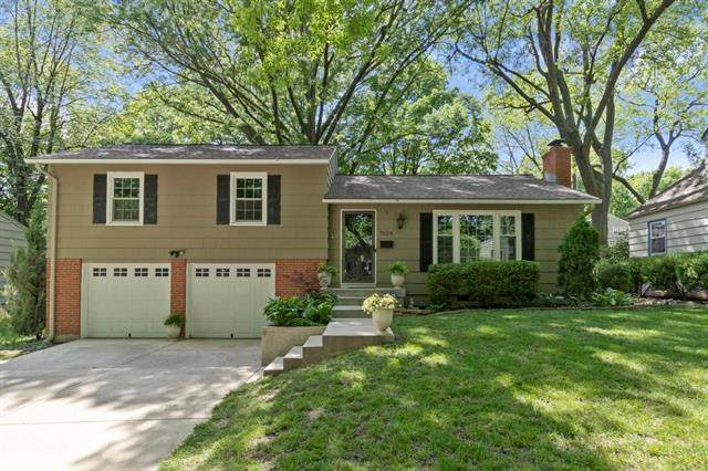 7624 Fairway Street, Prairie Village, KS 66208 (#2325612) :: Dani Beyer Real Estate