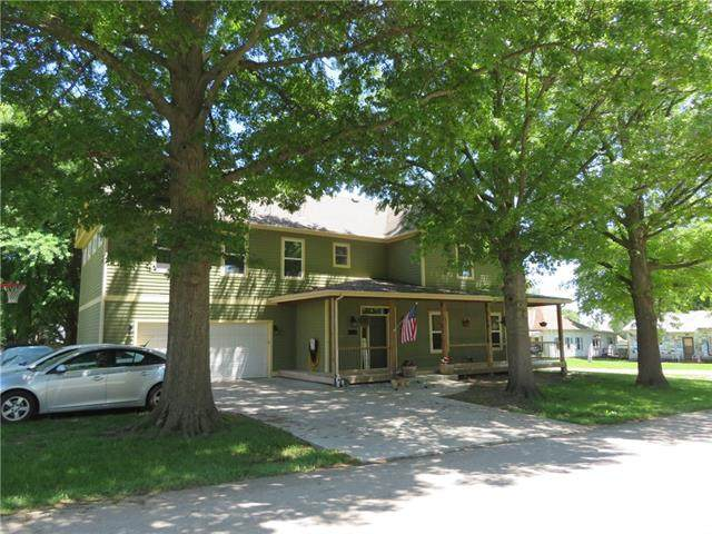 400 E Lucy Street, Mclouth, KS 66054 (#2325653) :: Tradition Home Group | Compass Realty Group