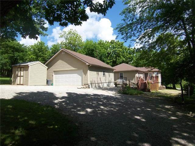 130 W Sugar Lake Drive, Mound City, KS 66056 (#2325665) :: Dani Beyer Real Estate