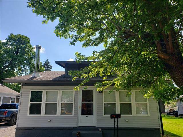 526 S Hardy Avenue, Independence, MO 64053 (#2325791) :: Edie Waters Network