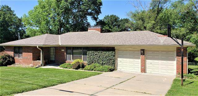 8232 N Main Street, Kansas City, MO 64118 (#2325900) :: Eric Craig Real Estate Team