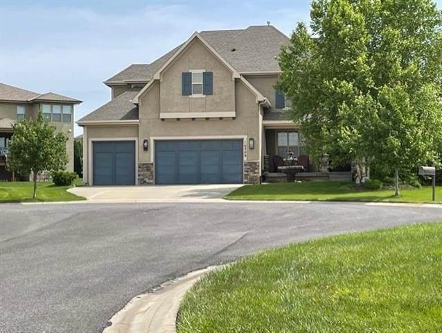 16309 Grant Street, Overland Park, KS 66085 (#2325948) :: ReeceNichols Realtors