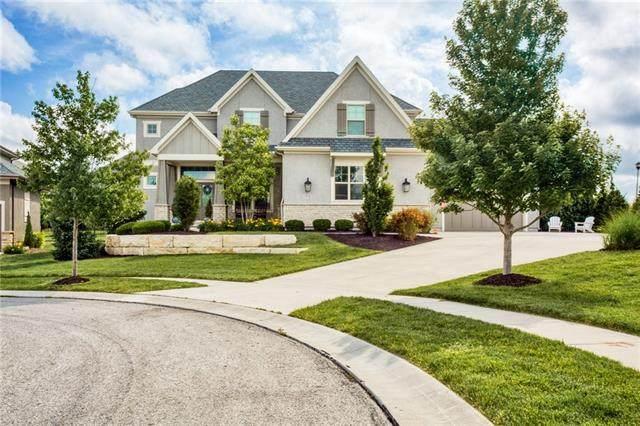 16453 Garnett Street, Overland Park, KS 66221 (#2326047) :: Ron Henderson & Associates