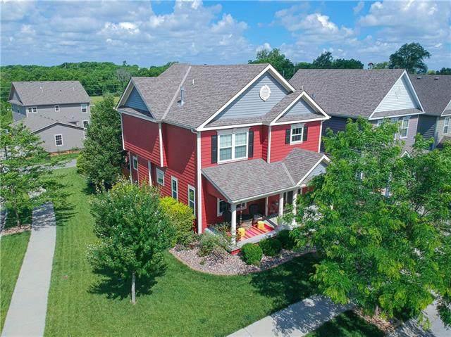 940 SW Loula Drive, Lee's Summit, MO 64081 (#2326105) :: Dani Beyer Real Estate