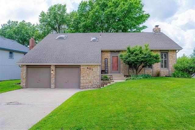 401 S Chambery Drive, Olathe, KS 66061 (#2326106) :: Ron Henderson & Associates