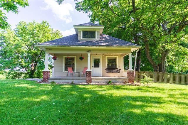 4537 NE 38th Street, Kansas City, MO 64117 (#2326109) :: Austin Home Team