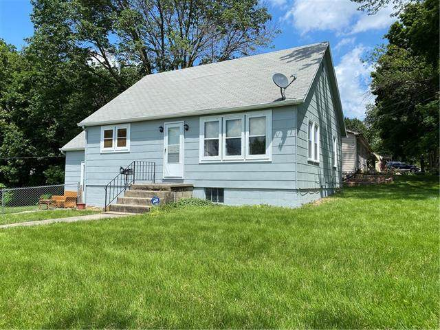 406 NE 74TH Terrace, Gladstone, MO 64118 (#2326144) :: Ron Henderson & Associates