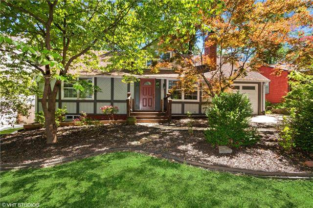 4425 W 72nd Street, Prairie Village, KS 66208 (#2326163) :: Ron Henderson & Associates