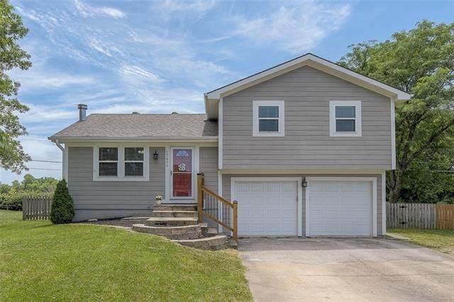 17890 S Taylor Drive, Olathe, KS 66062 (#2326170) :: Tradition Home Group | Better Homes and Gardens Kansas City