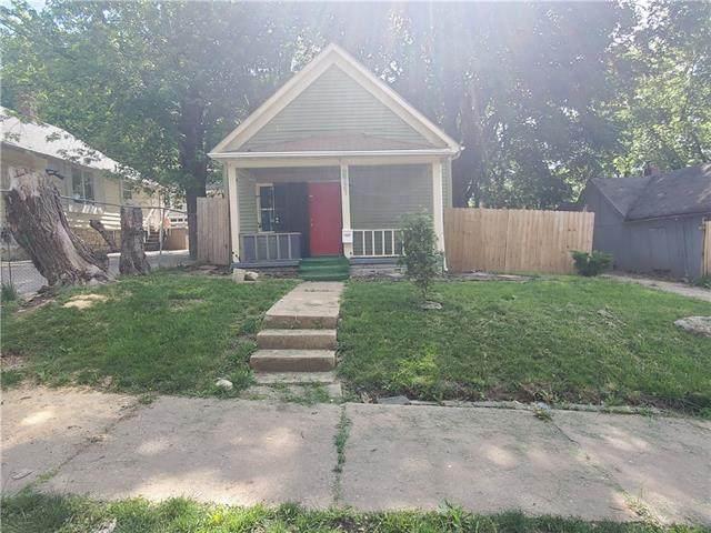 2721 Lister Avenue, Kansas City, MO 64128 (#2326211) :: Edie Waters Network