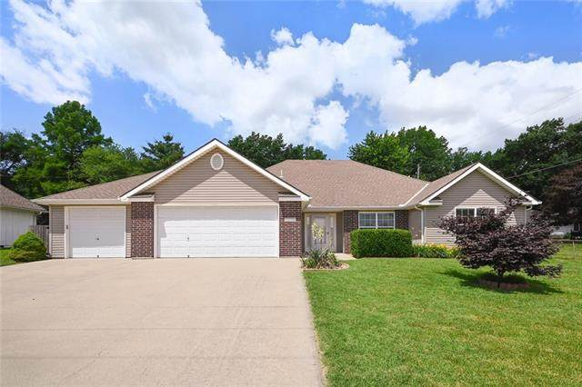 1213 SW Luttrell Road, Blue Springs, MO 64015 (#2326262) :: Ask Cathy Marketing Group, LLC