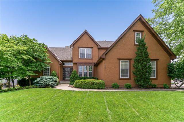 14237 W 141st Street, Olathe, KS 66062 (#2326348) :: Audra Heller and Associates