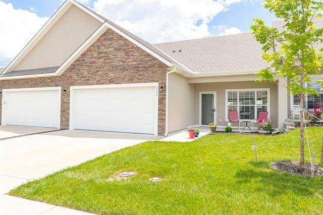 1331 S 3rd East Street, Louisburg, KS 66053 (#2326383) :: Dani Beyer Real Estate