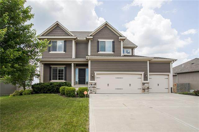 1601 SW Whistle Drive, Lee's Summit, MO 64082 (#2326394) :: Beginnings KC Team