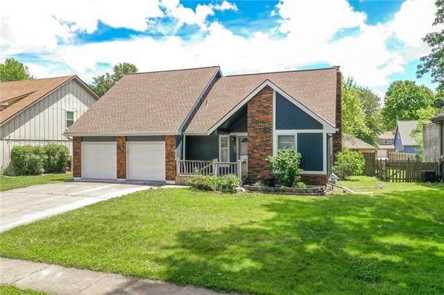 601 SE Richardson Place, Lee's Summit, MO 64063 (#2326410) :: Team Real Estate