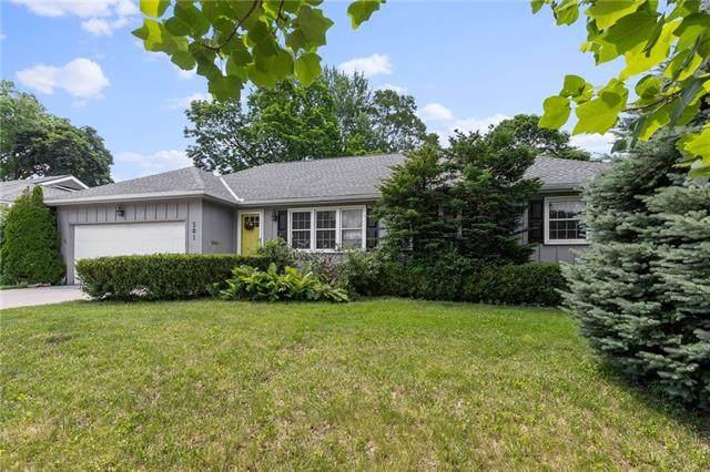 501 W Country Lane, Kansas City, MO 64114 (#2326449) :: Five-Star Homes