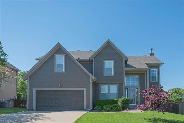 21319 W 54th Terrace, Shawnee, KS 66218 (#2326457) :: Dani Beyer Real Estate