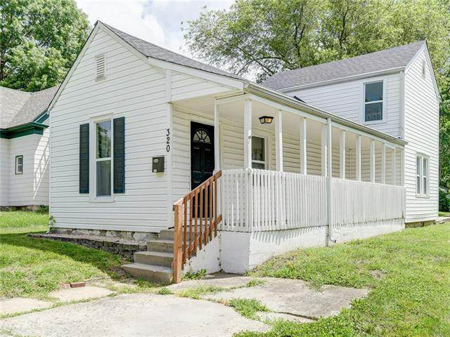 320 N Campbell Street, Pleasant Hill, MO 64080 (#2326499) :: Team Real Estate