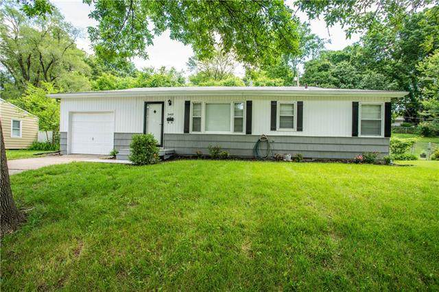 3409 S Vermont Avenue, Independence, MO 64052 (#2326510) :: Dani Beyer Real Estate