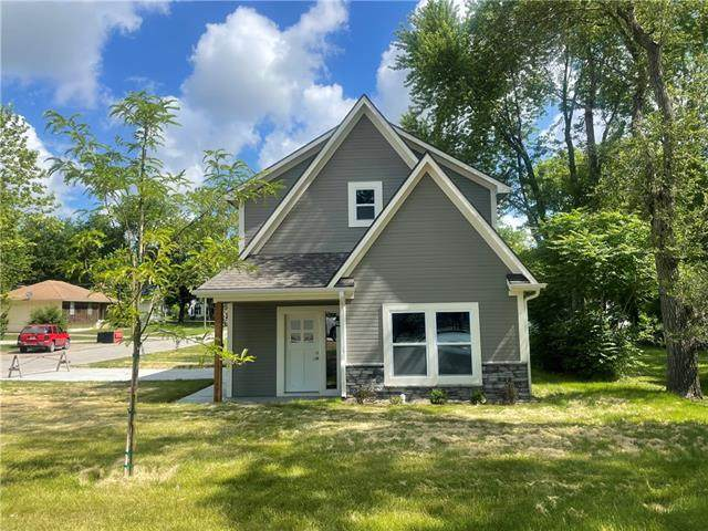 108 SW 10th Street, Oak Grove, MO 64075 (#2326547) :: Five-Star Homes