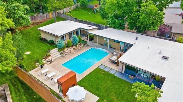 9832 Aberdeen Street, Overland Park, KS 66206 (#2326555) :: Five-Star Homes