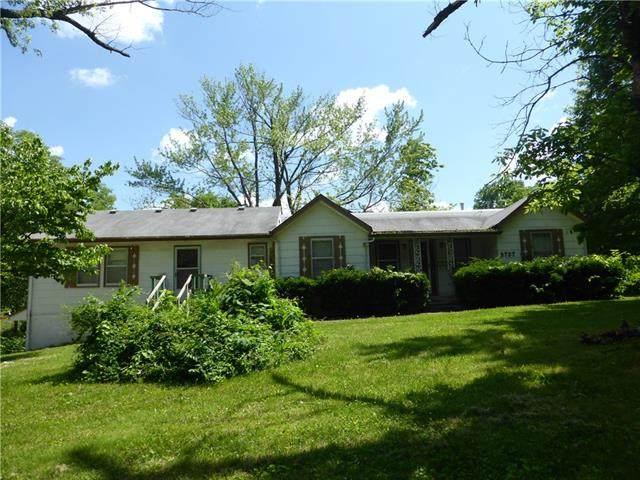 9707 E Linwood Boulevard, Independence, MO 64052 (#2326579) :: Team Real Estate