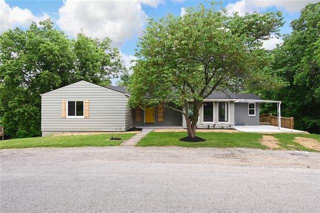 8008 Parkview Avenue, Kansas City, KS 66109 (#2326598) :: Dani Beyer Real Estate