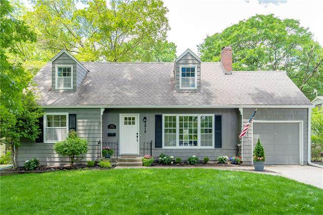 2818 W 71st Terrace, Prairie Village, KS 66208 (#2326640) :: Ron Henderson & Associates