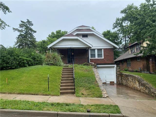 1206 W 48th Street, Kansas City, MO 64112 (#2326648) :: Audra Heller and Associates
