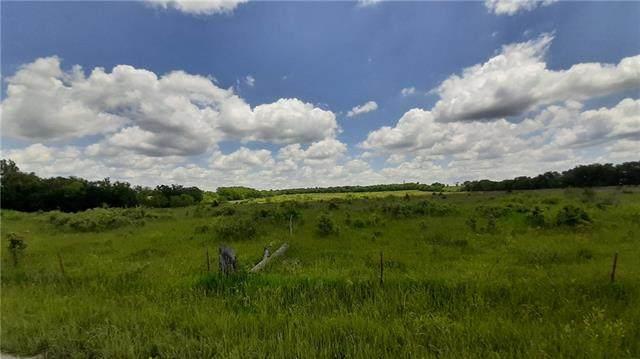 36706 Spring Valley Road, Louisburg, KS 66053 (#2326664) :: The Kedish Group at Keller Williams Realty