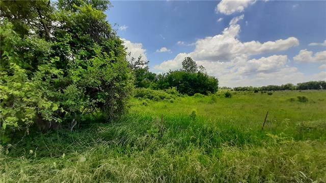 36707 Spring Valley Road, Louisburg, KS 66053 (#2326674) :: The Kedish Group at Keller Williams Realty