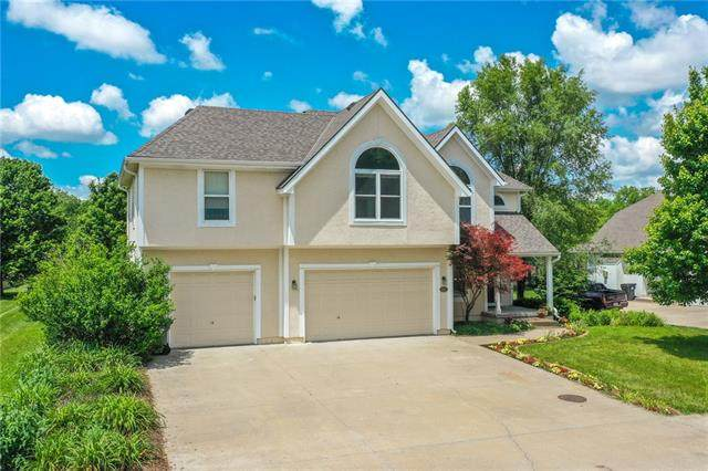 3100 S Redtail Drive, Blue Springs, MO 64015 (#2326745) :: The Rucker Group