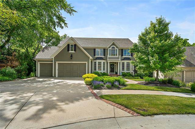 11025 S Glenview Lane, Olathe, KS 66061 (#2326765) :: Dani Beyer Real Estate