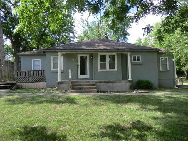 201 NE 76th Terrace, Gladstone, MO 64118 (#2326803) :: Ron Henderson & Associates