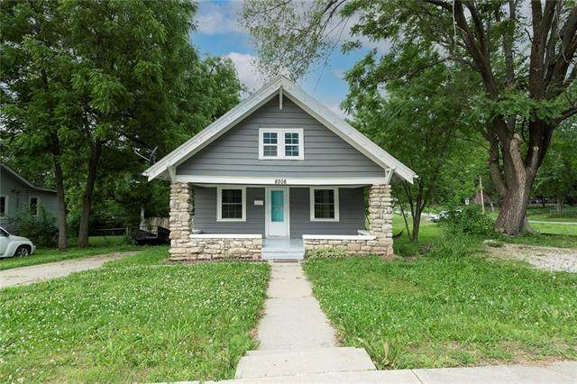 8308 Paseo Boulevard, Kansas City, MO 64131 (#2326805) :: Tradition Home Group | Better Homes and Gardens Kansas City