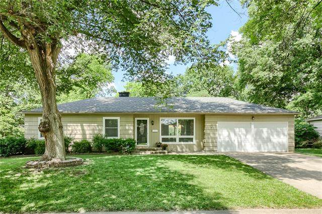 10400 Woodson Drive, Overland Park, KS 66207 (#2326820) :: The Kedish Group at Keller Williams Realty