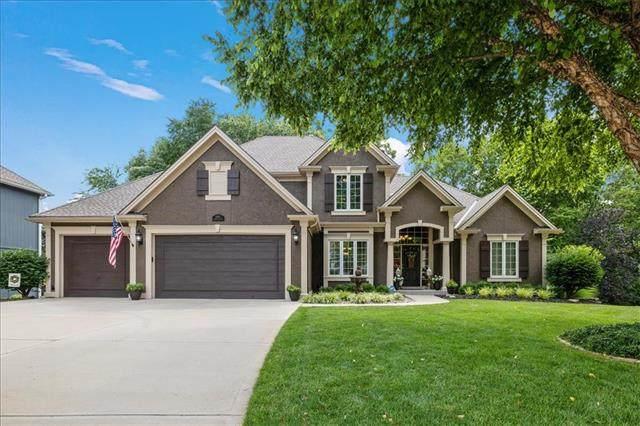 6355 N White Oak Court, Parkville, MO 64152 (#2326844) :: Audra Heller and Associates