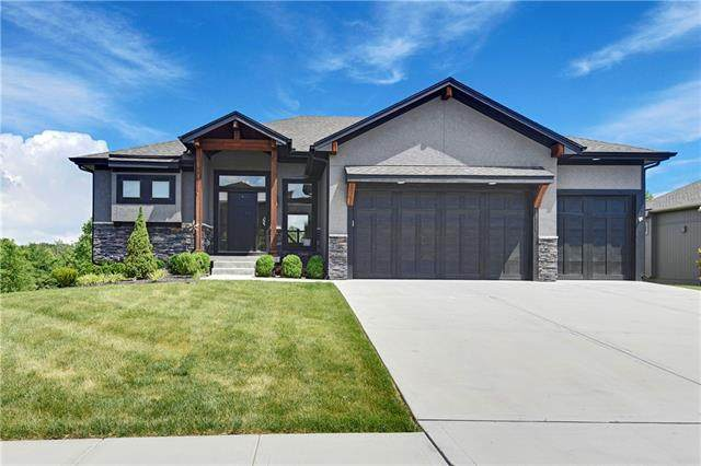 18710 W 98th Terrace, Lenexa, KS 66220 (#2326885) :: Ron Henderson & Associates