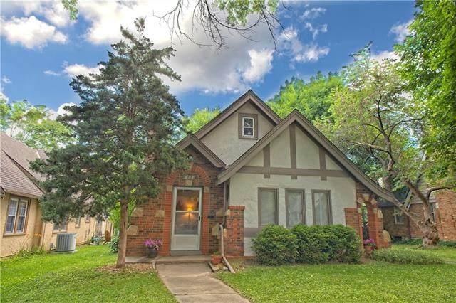 222 E 72nd Terrace, Kansas City, MO 64114 (#2326891) :: Dani Beyer Real Estate