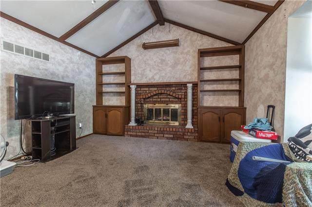 609 NE 2nd Street, Blue Springs, MO 64014 (#2326913) :: Dani Beyer Real Estate