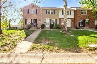 7010 NW Chapel Woods Lane, Kansas City, MO 64152 (#2326926) :: Edie Waters Network