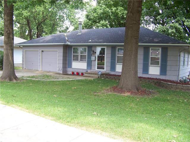 9401 Eastern Avenue, Kansas City, MO 64138 (#2326928) :: Team Real Estate