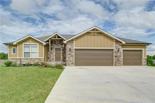 2008 Owen Drive, Pleasant Hill, MO 64080 (MLS #2326955) :: Stone & Story Real Estate Group