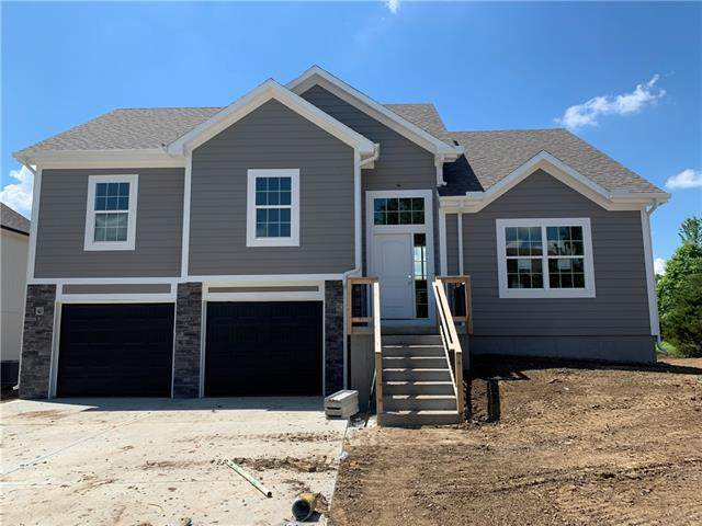 3919 SE Valley Forge Drive, Blue Springs, MO 64014 (#2326961) :: Ask Cathy Marketing Group, LLC