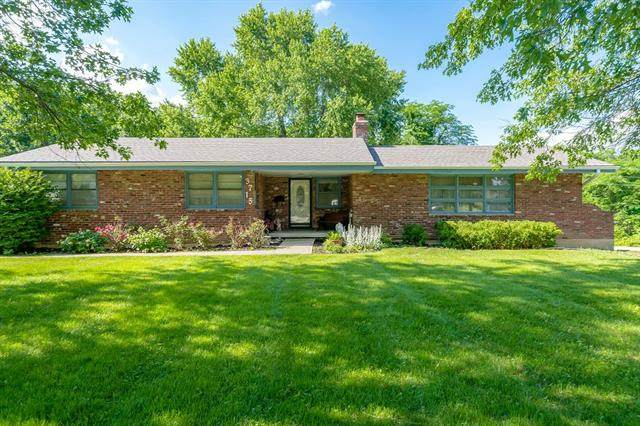 3715 Valley View Road, Blue Springs, MO 64015 (#2326996) :: Ron Henderson & Associates