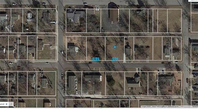 233 W Insley Avenue, Bonner Springs, KS 66012 (#2327040) :: Audra Heller and Associates