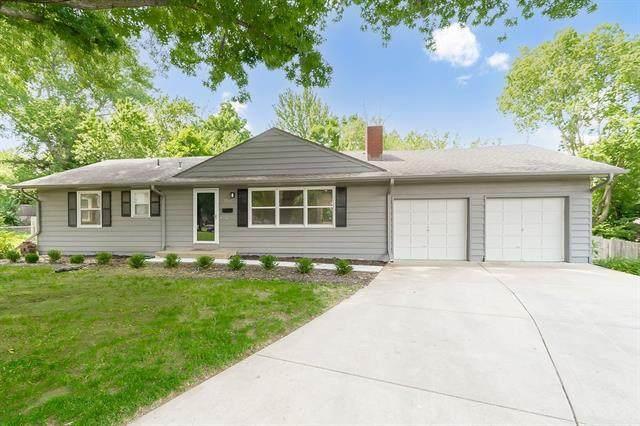 8908 Summit Street, Lenexa, KS 66215 (#2327045) :: Ron Henderson & Associates