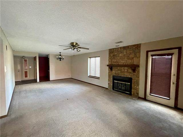 301 S Spring Street #103, Independence, MO 64050 (#2327057) :: ReeceNichols Realtors