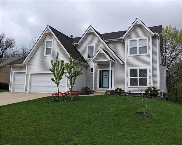2111 S Lindenwood Drive, Olathe, KS 66062 (#2327133) :: Ron Henderson & Associates
